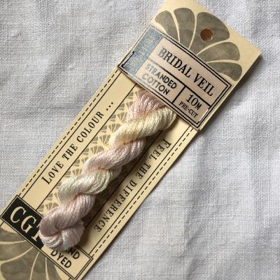 "Hilo para bordar Cottage Garden Threads ""Bridal Veil"" 10 m."